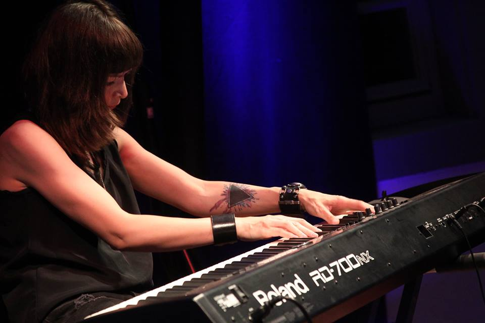 Viktoriya Yermolyeva Bawakan Ulang Hits Metallica