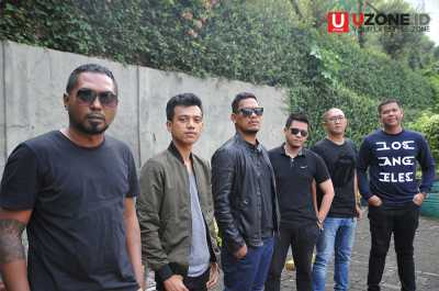 "Dancing Flames Kenalkan Single Pertama ""Ready For Love"""