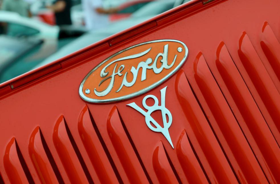 Setop Produksi Mobil Gara-gara Corona, GM dan Ford Bikin Alat Medis?
