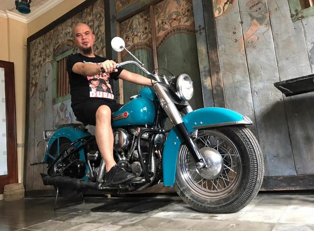 Antik Mana, Harley Hydra Glide 1949 Atau Ahmad Dhani Penunggangnya?