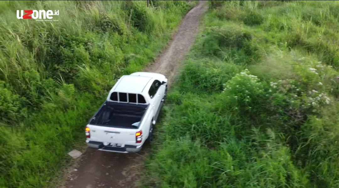Mitsubishi Triton Ultimate dan Fitur Canggihnya