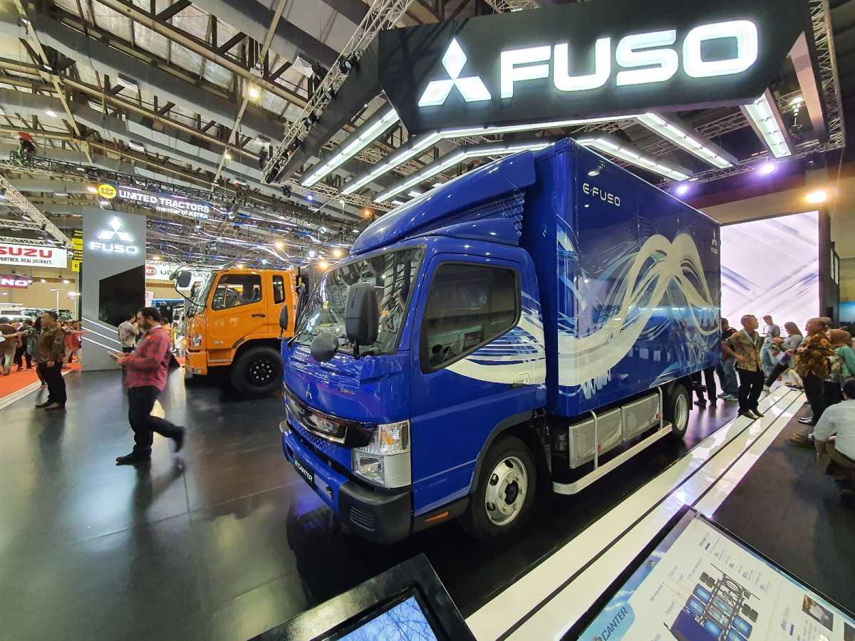 FOTO: FUSO e-Canter, Truk Listrik yang Punya Fitur Setara Mobil Pribadi