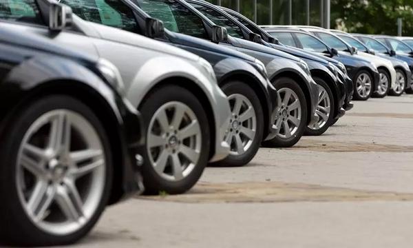 Pasar Mobil Bekas Rontok, Harga Pasaran Turun, Penjualan Anjlok 80 Persen