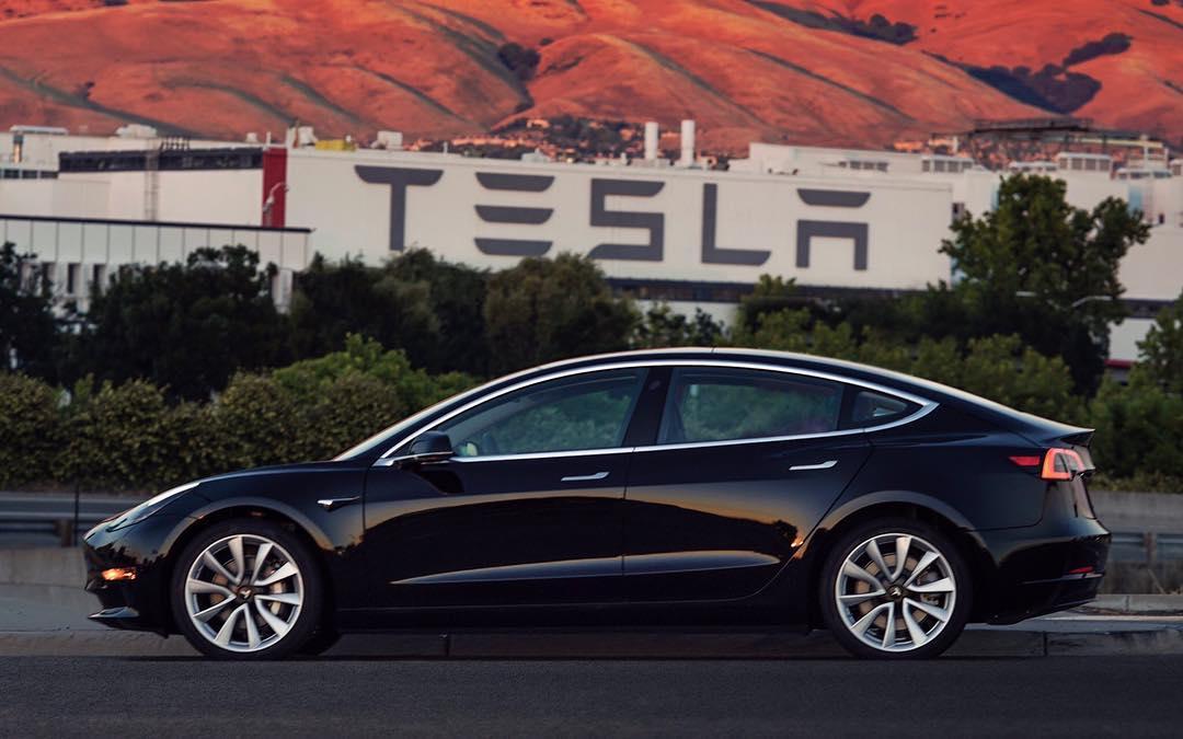 Perang EV, Lexus Ajak Trade-In ke Pemilik Tesla plus Diskon USD1.000