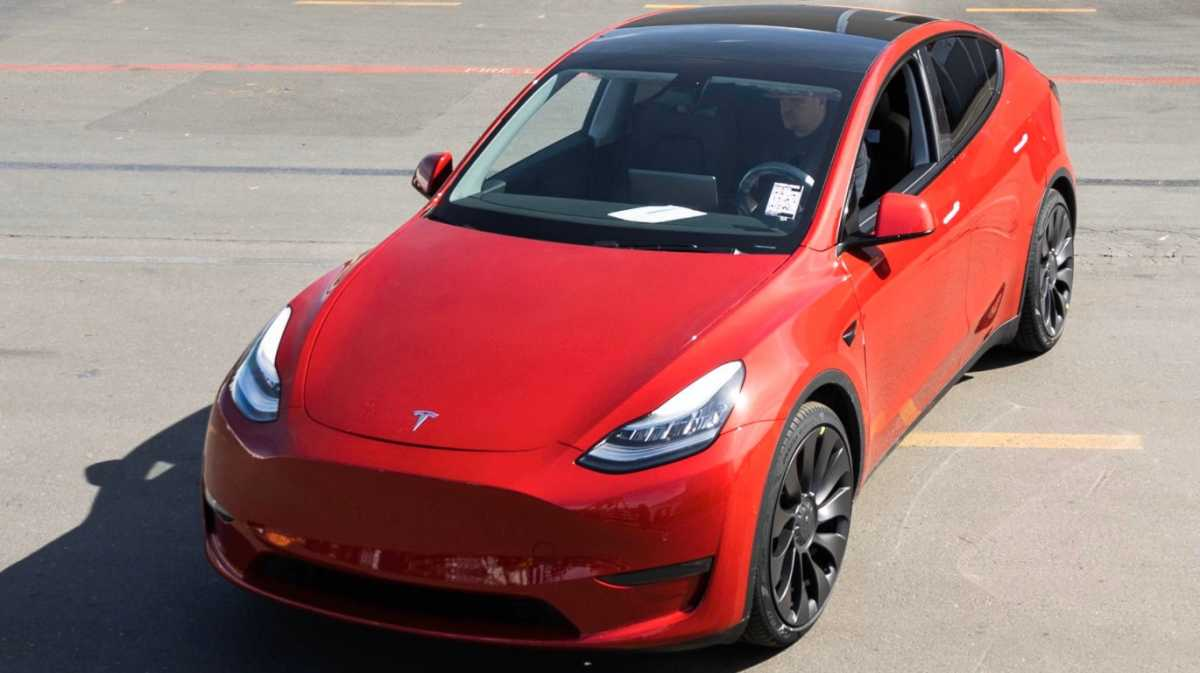 Wow, Tesla Sudah Produksi Mobil Listrik ke 1 Juta!
