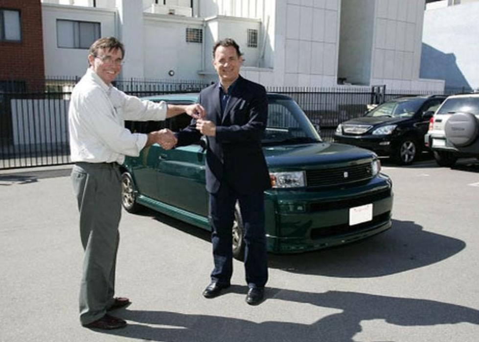 Tom Hanks Koleksi Mobil Murah Meskipun Kaya Raya, Ini Daftarnya