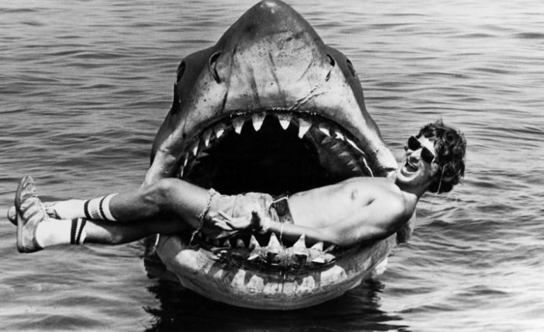 <i>Throwback Movie</i>: 8 Fakta tentang 'Jaws', Film Hiu Klasik yang Memulai Teror di Laut