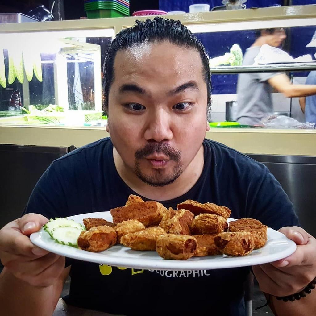 5 Food Vlogger Indonesia yang Layak untuk Diikuti