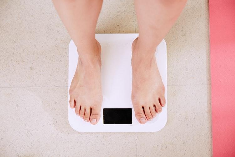 Sering Begadang Bikin Badan Gemuk, Kok Bisa?