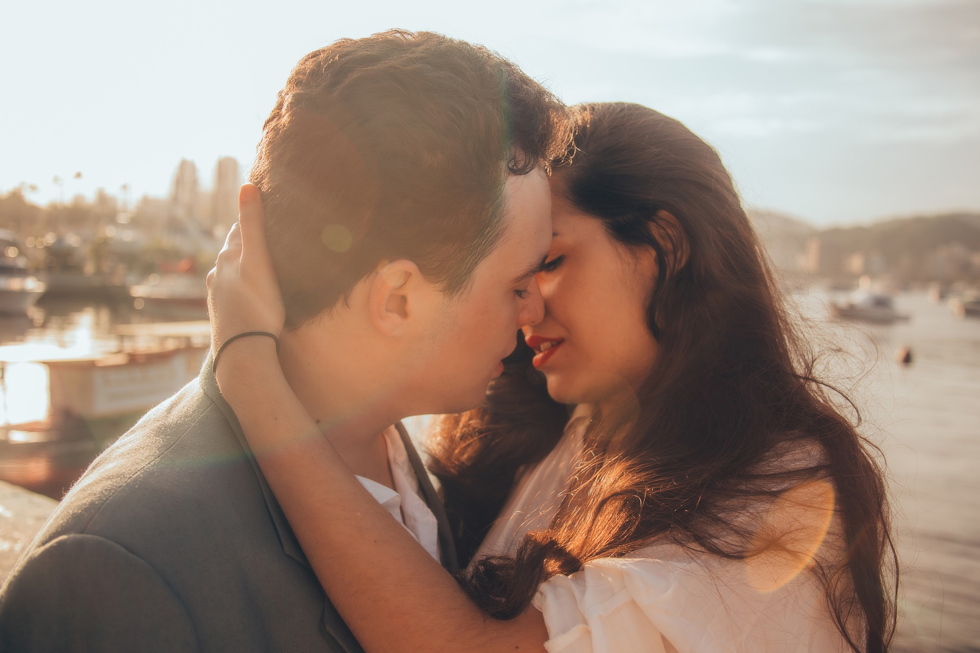Tiga Alasan Kenapa Kamu Perlu Beri Pasangan Cokelat saat Valentine