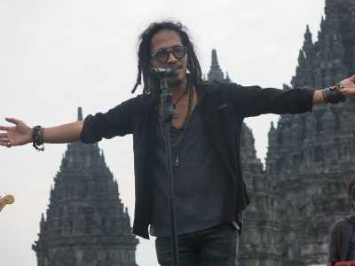 Nostalgia 1990-an di Prambanan Jazz Festival 2017
