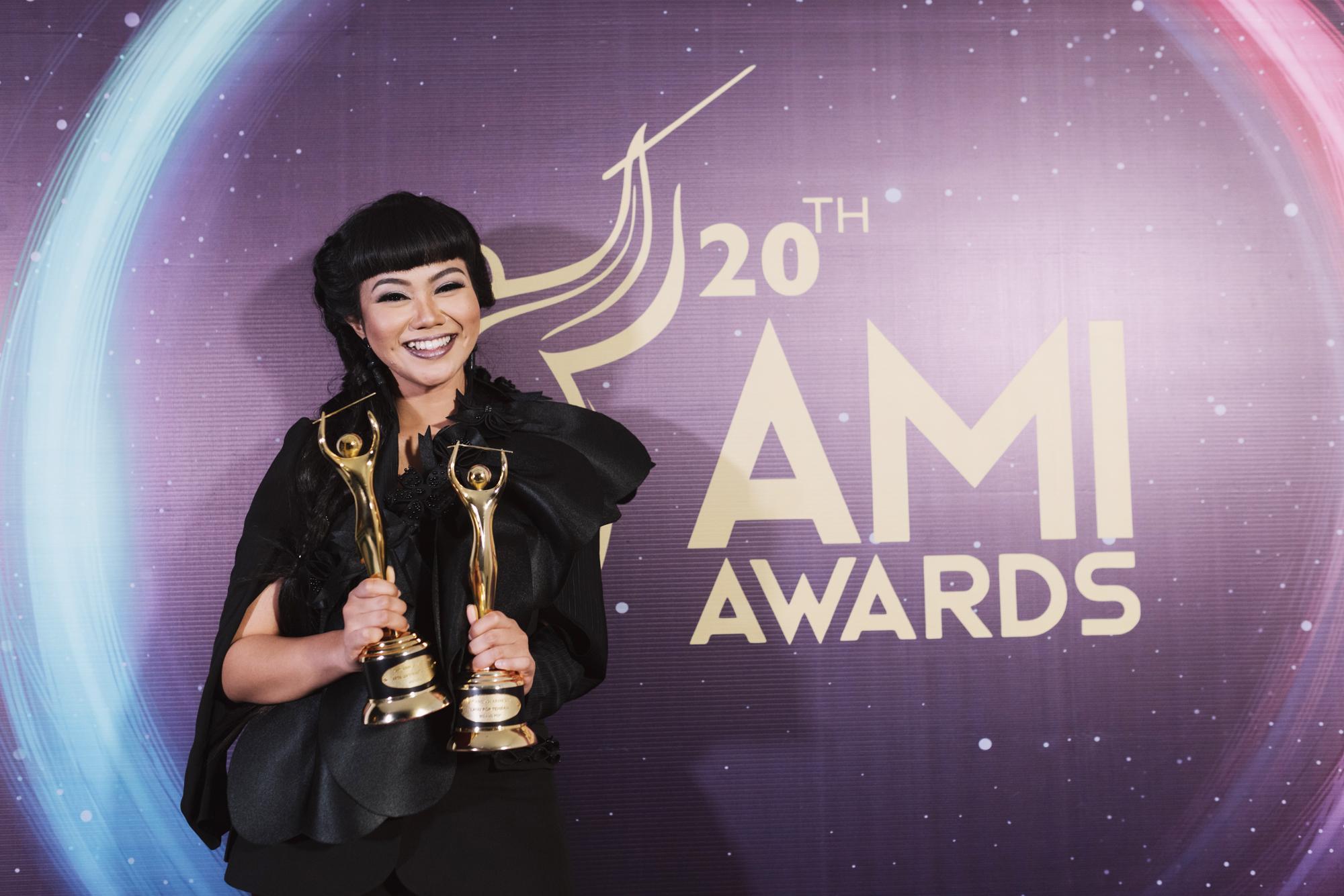 Buah Manis Yura Yunita di AMI Awards 2017
