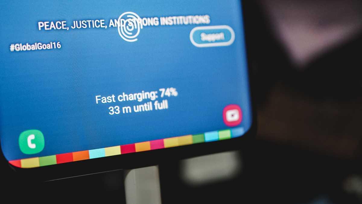 Samsung Galaxy S20 yang Pertama Diganjar Sertifikat Fast Charging