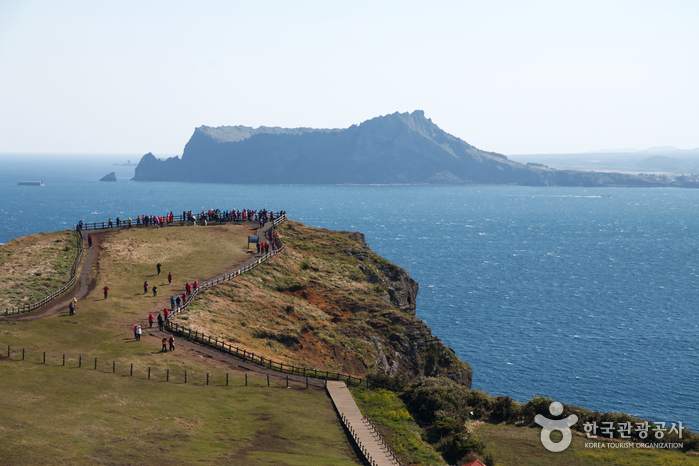 Melihat Keindahan Pulau Jeju, Pulau Vulkanik Terbesar di Korea Selatan