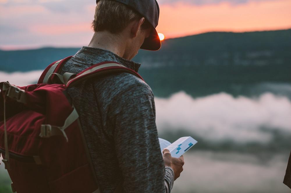 5 Masalah yang Bakal Kamu Temukan Saat Liburan Sendirian
