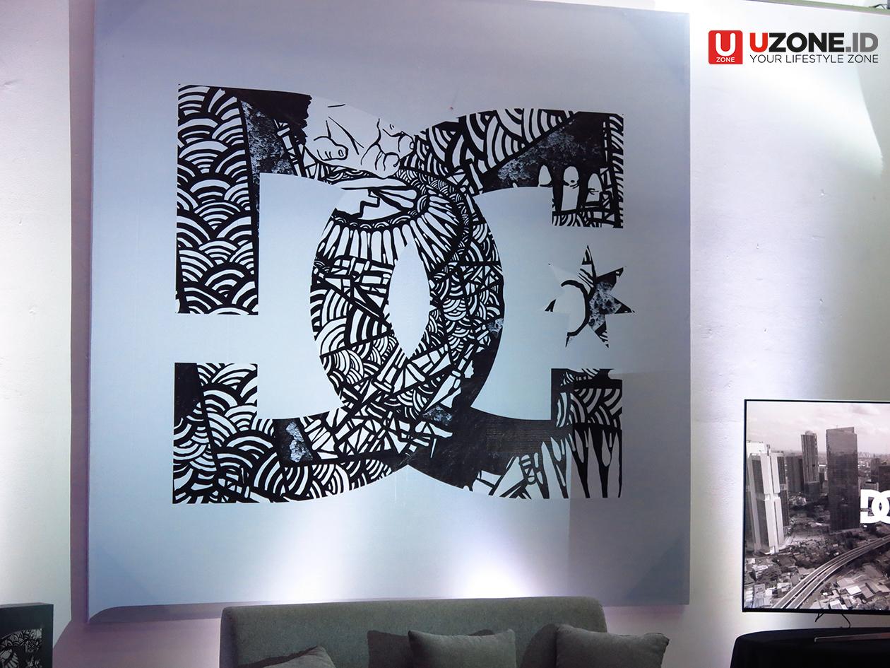 Dc shoes gandeng artis mural indonesia darbotz di koleksi for Mural indonesia