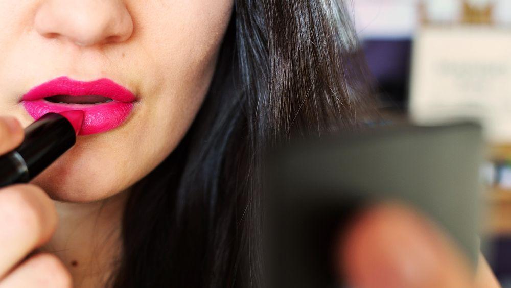 Cara Cantik Pilih Lipstik