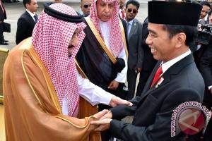 Jokowi Buat 'Vlog' Bareng Raja Salman