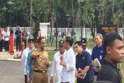 Jokowi Ajak Anies Semobil Tinjau Akses Lalu Lintas Wisma Atlet