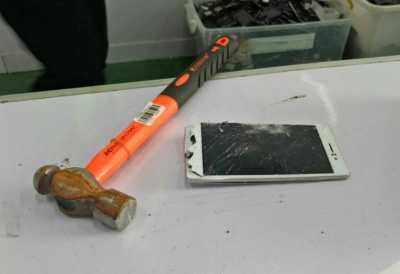 OPPO Indonesia Musnahkan 23.000 Unit Smartphone