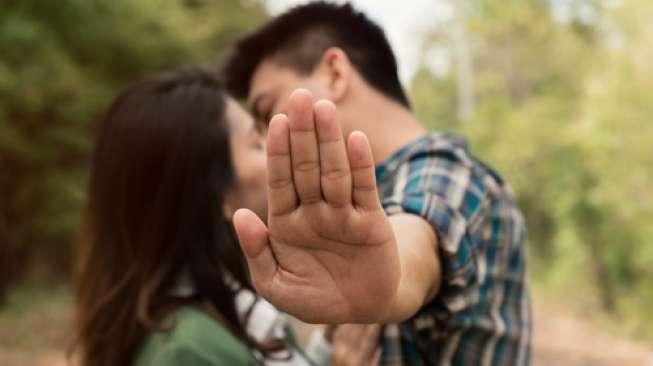 Hot! 4 Jenis Ciuman yang Bisa Bikin Hubungan Seks Makin Bergairah