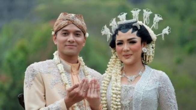 Foto-foto Pernikahan Vicky Shu