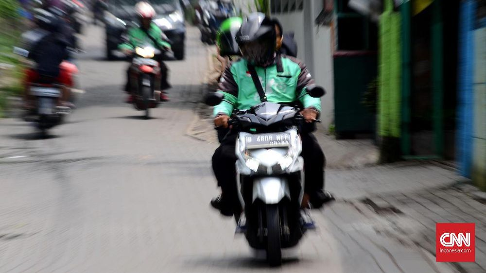 Taktik Mengirit Bahan Bakar Motor Versi Ojek Online