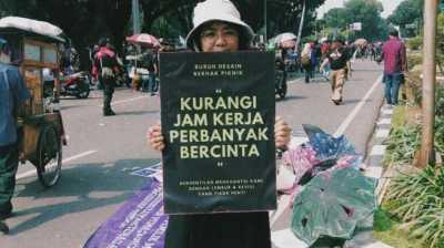 Buruh Media: Kurangi Jam Kerja, Perbanyak Bercinta
