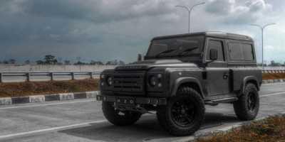 Land Rover Defender Menolak Tua