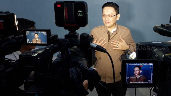Farhat Abbas Pengin Jadi Presenter Bareng Ahok