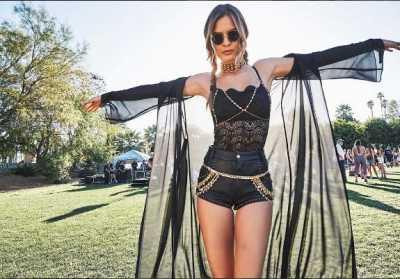 15 Selebriti Ini Tampil Seksi di Coachella 2017