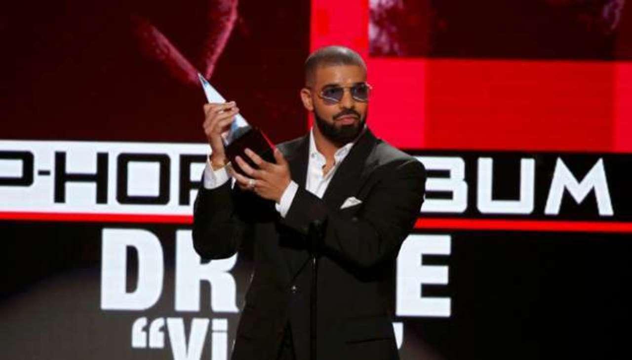 Drake Rajai Penjualan Musik Global 2016