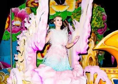 Katy Perry Terjebak di Udara Saat Konser!