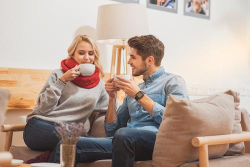 Tips Berkomunikasi Lebih Baik dengan Pasangan