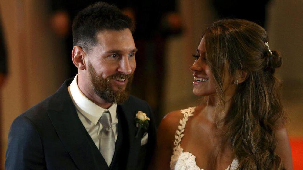 Messi dan Istri Pamer Kemesraan di Lantai Dansa