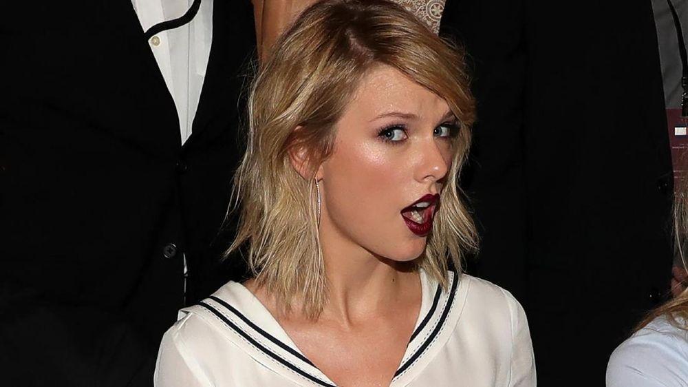 Hindari Paparazi, Taylor Swift Disebut Sembunyi di Dalam Tas