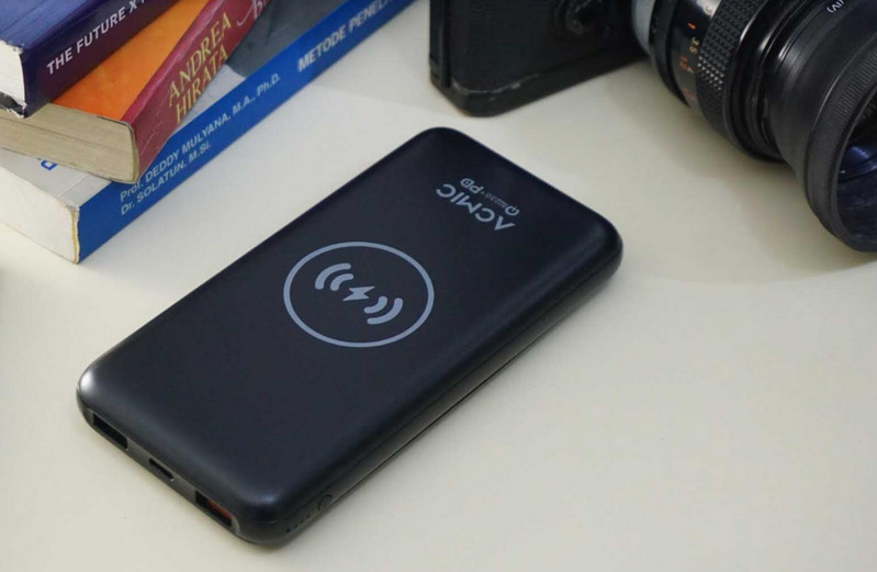 Canggih, Powerbank ACMIC W10PRO Bisa Wireless Charging