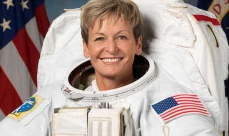 Astronaut Perempuan AS Pecahkan Rekor Terlama di Luar Angkasa