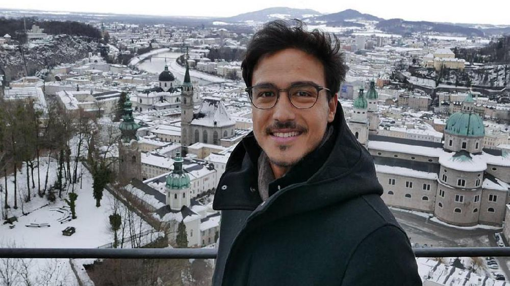Selebriti Indonesia Pilih London dan Bali Jelang Tahun Baru