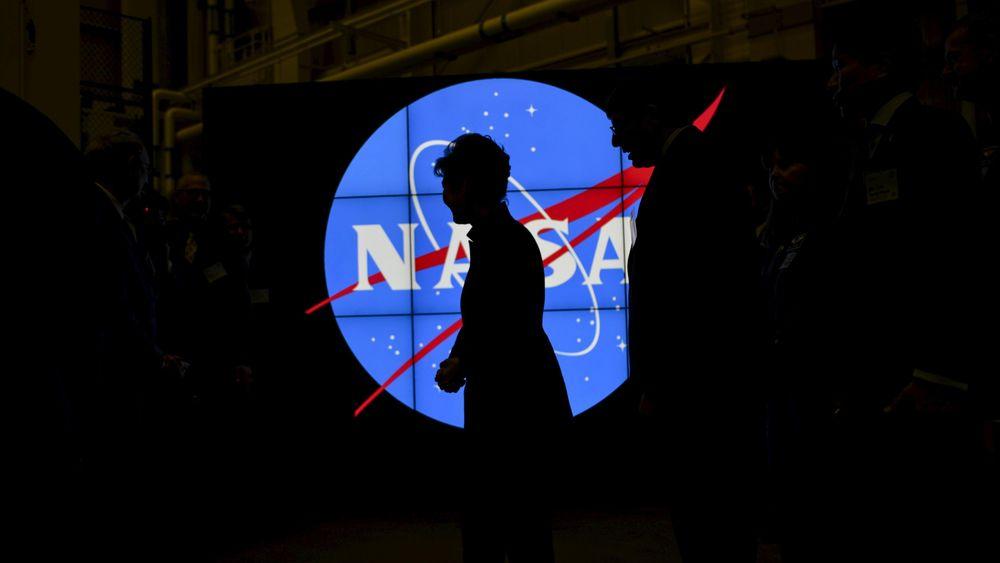 NASA Matikan Sesaat Pesawat Luar Angkasa Saat Supermoon