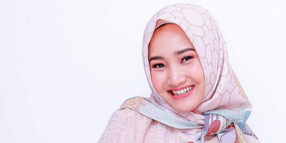 Deretan Desainer Hijab di Balik Gaya Stylish Fatin