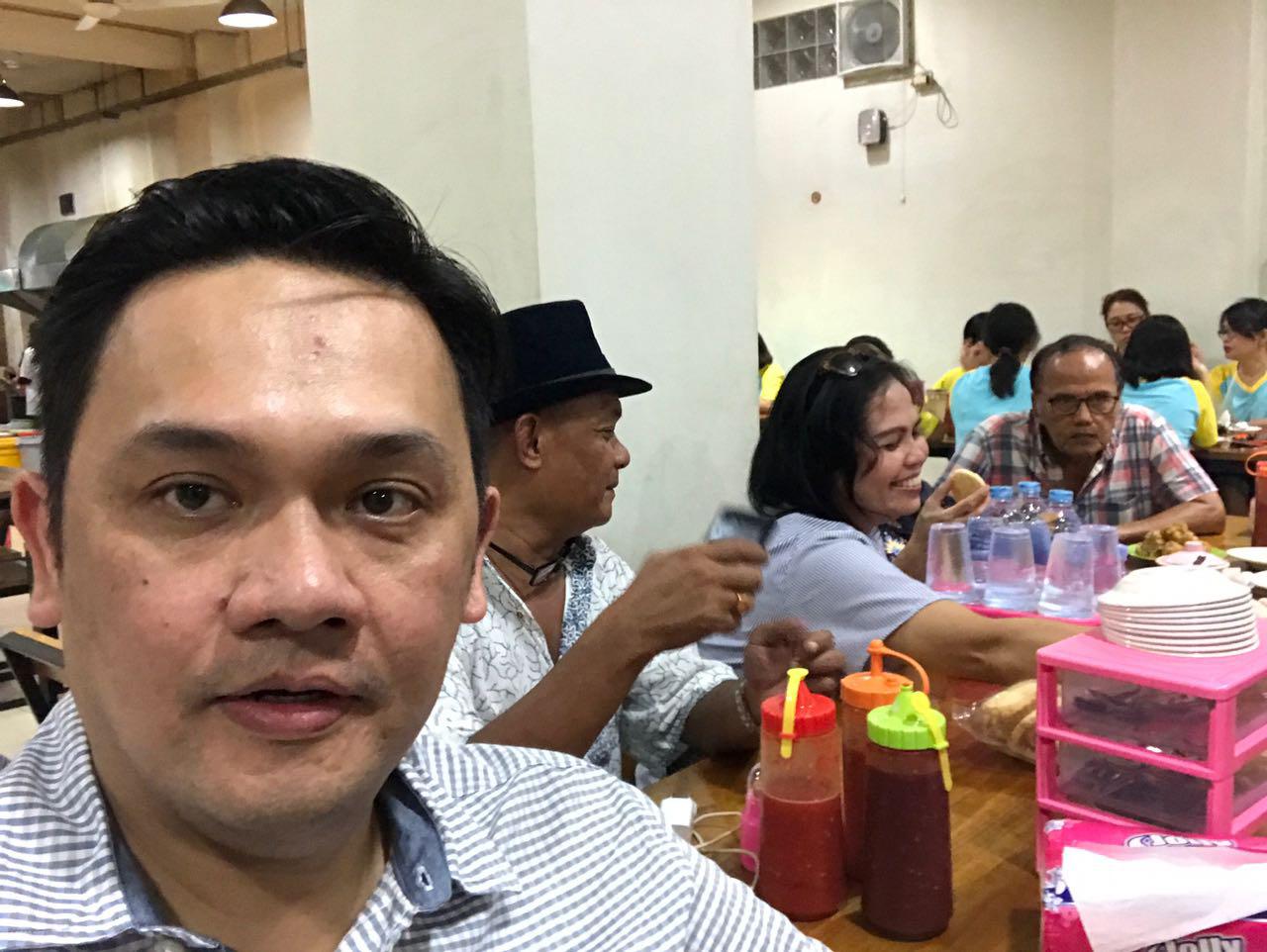 Farhat Abbas Bayarkan Tagihan Listrik Nia Daniaty Rp 18 Juta