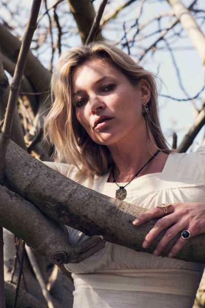 Kate Moss Merilis Koleksi Perhiasan Pertamanya