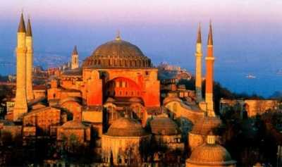 Hagia Sophia, dari Gereja, Masjid Hingga Menjadi Museum