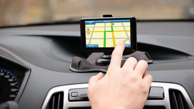Tak Boleh Dipakai Pengemudi, Benarkah GPS Mengurangi Konsentrasi?