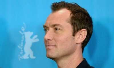 Jude Law Perankan Dumbledore Muda di Sekuel Fantastic Beasts