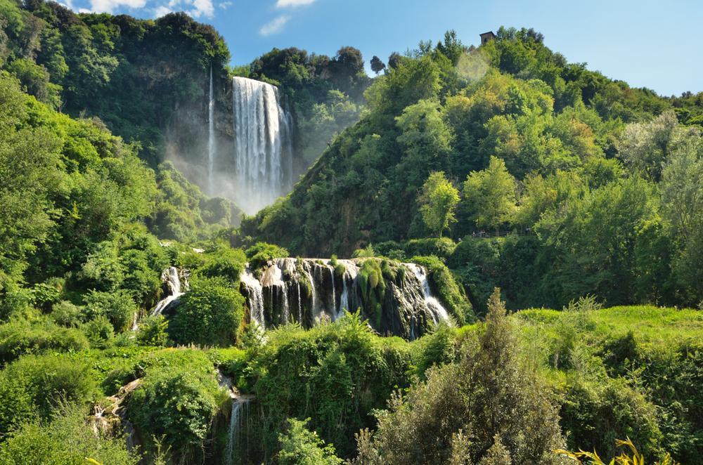 Italia Punya Air Terjun Tertinggi di Dunia yang Buatan Manusia