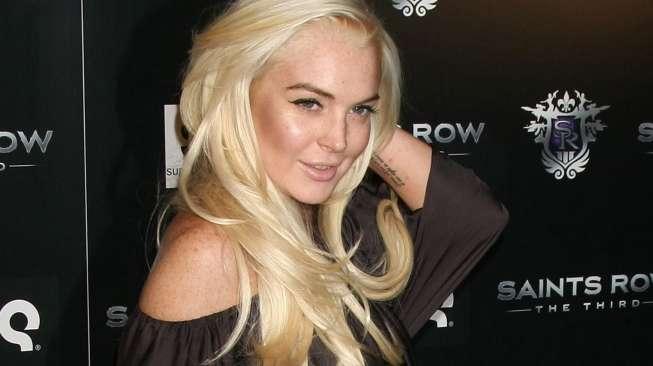 Seperti Lucinta Luna, Lindsay Lohan Juga Bobo dengan Puluhan Artis