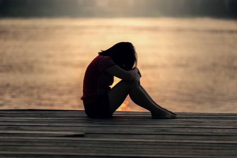 Saran Terbaik Agar Gak Terlalu Lama Sedih karena Patah Hati