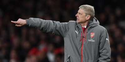Sanchez Ditimpuk Bola oleh Fuchs, Wenger Tidak Terima